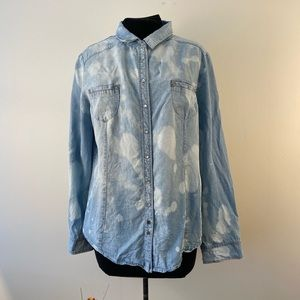 Bleach dyed chambray pearl  snap button down shirt